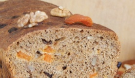 Sourdoughd with nuts and dried fruits