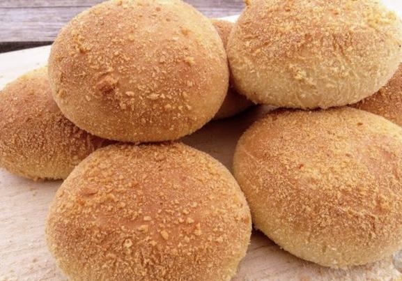 Filipino bread (pandesal)