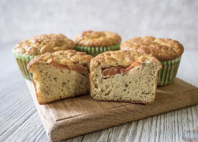 Snack muffins on kefir, from pea flour