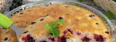 Air manna on kefir with berries