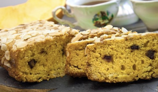Lean Pumpkin Orange Cupcake with Dates and Almond Crust