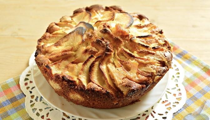 Apple cottage cheese dough pie
