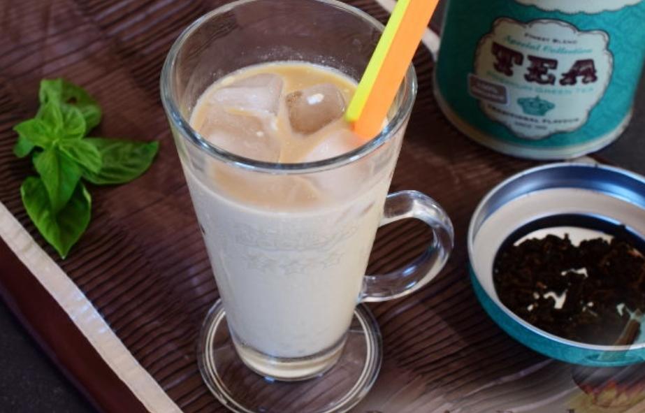 Dutch milk tea