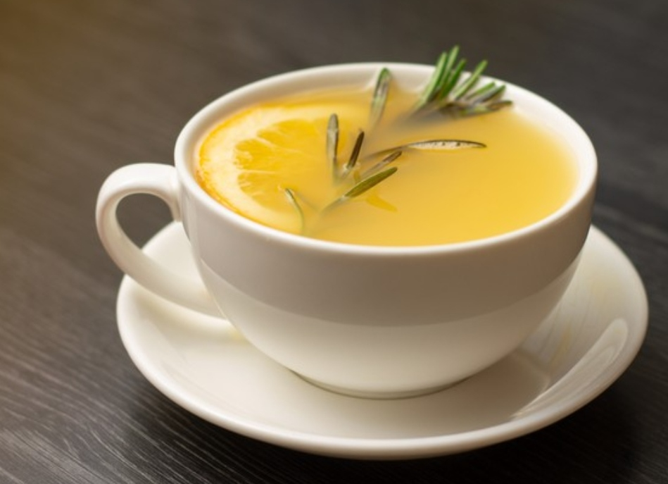 Tea with lemon, ginger and rosemary