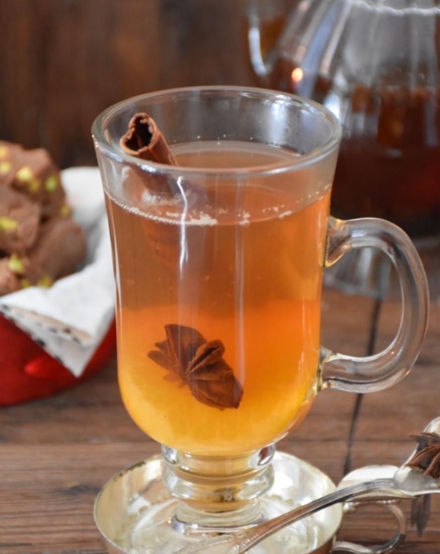 Orange and cinnamon tea