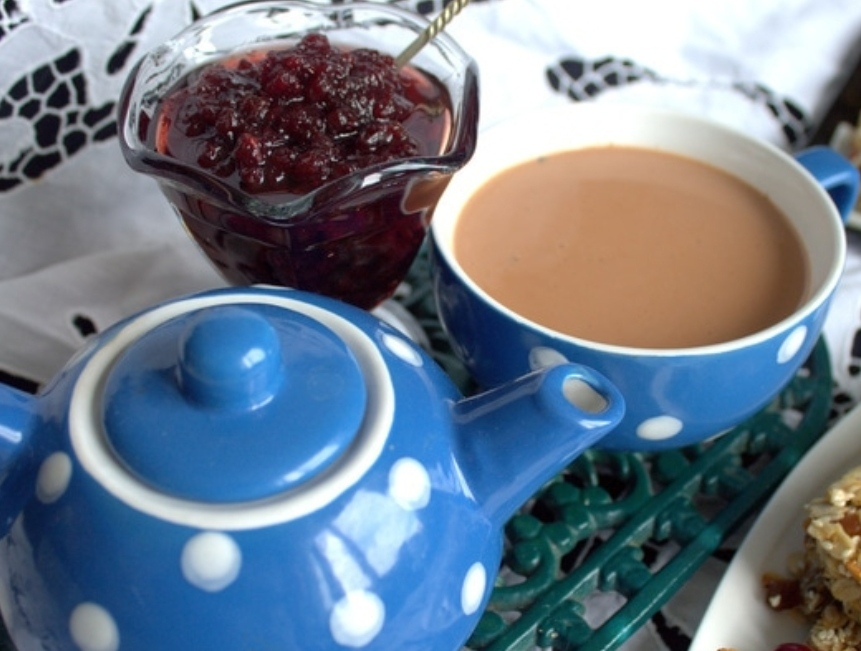 Pu-erh tea with milk