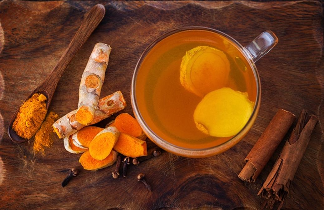 TURCUM AND GINGER TEA