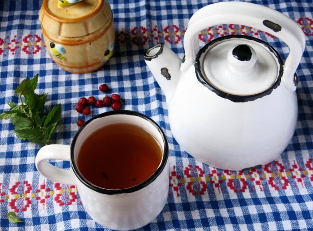 Hawthorn and mint tea