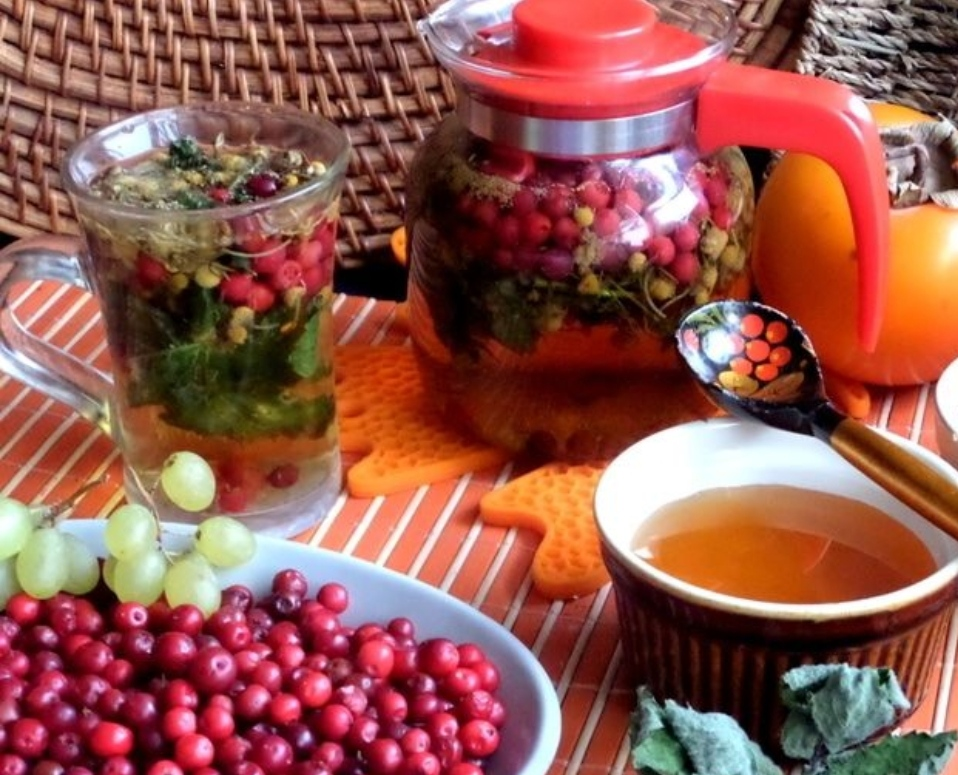 Lingonberry chamomile tea with mint