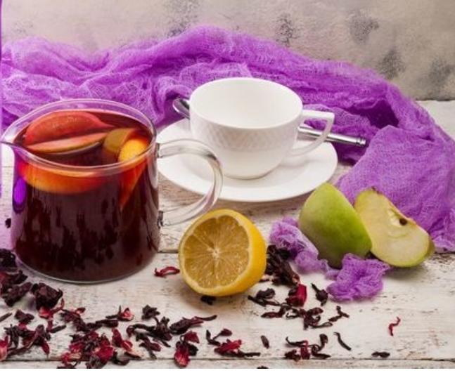 Fragrant hibiscus tea