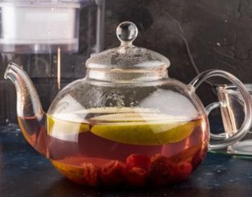 Fruit tea with vanilla