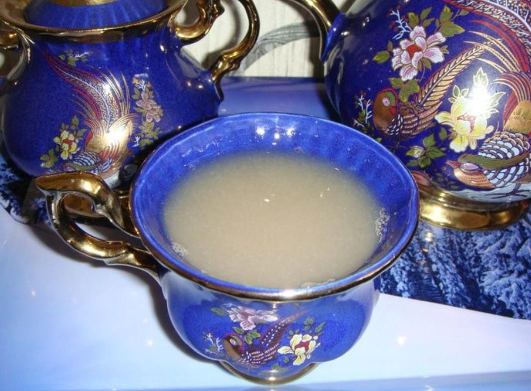 Warming spicy persimmon tea