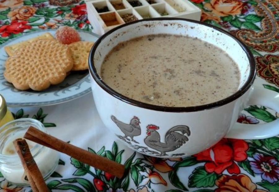 Kalmyk tea with sugar and cinnamon