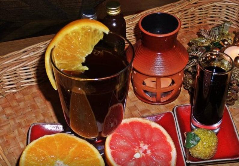 Pu-erh tea with citrus and balsam