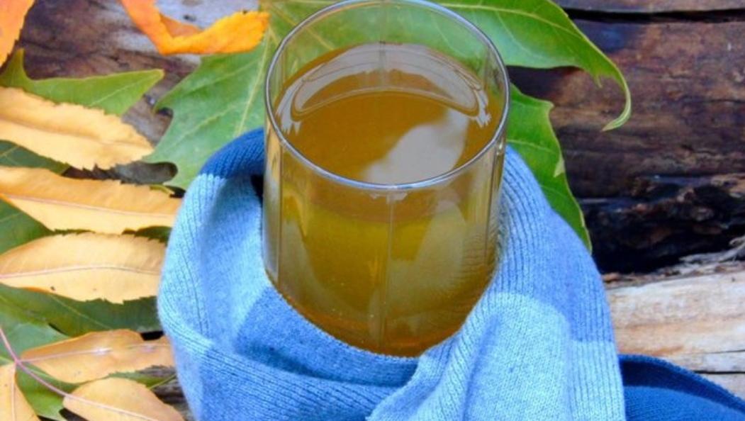 Juniper-sea buckthorn tea with raisins