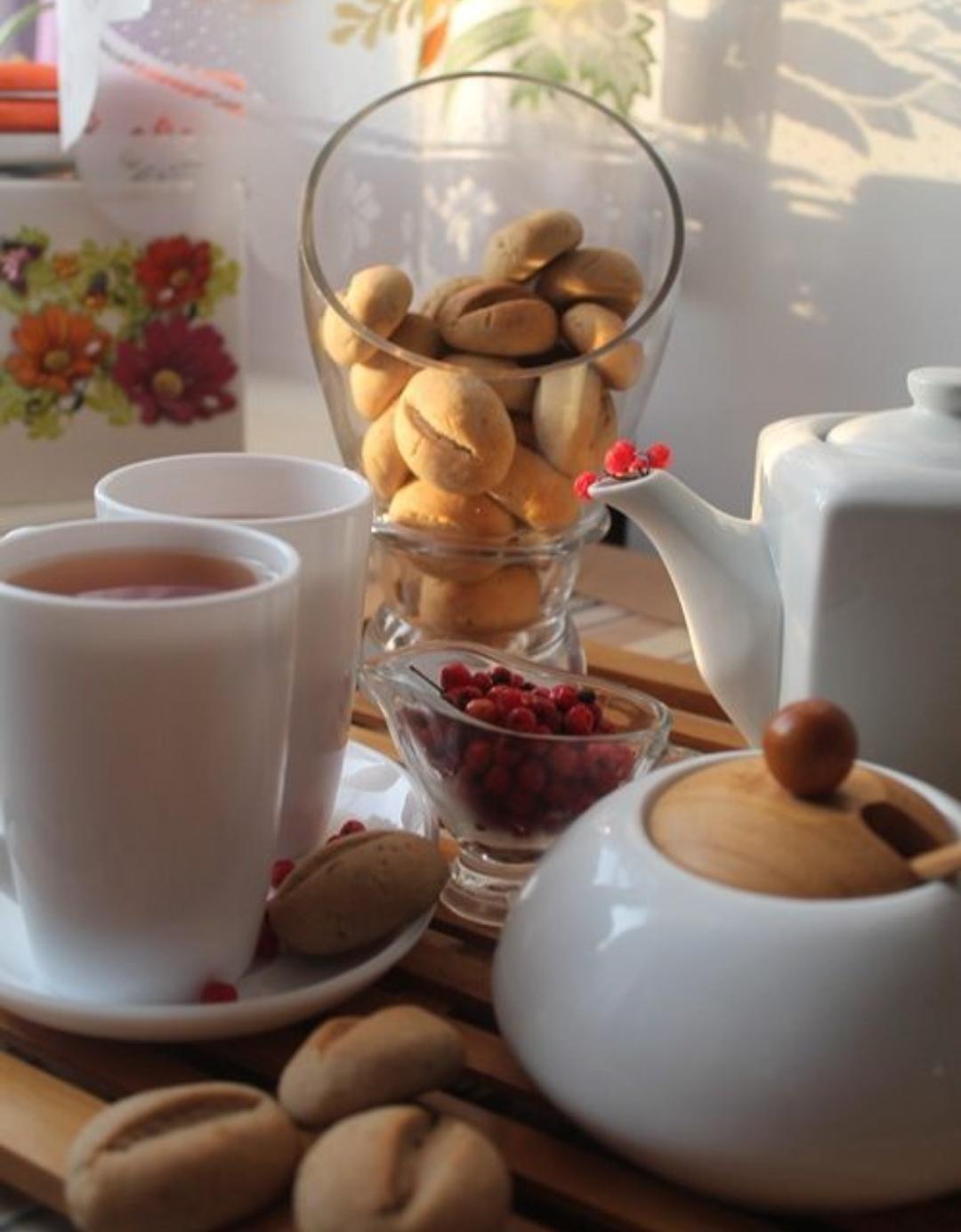 Rowan tea