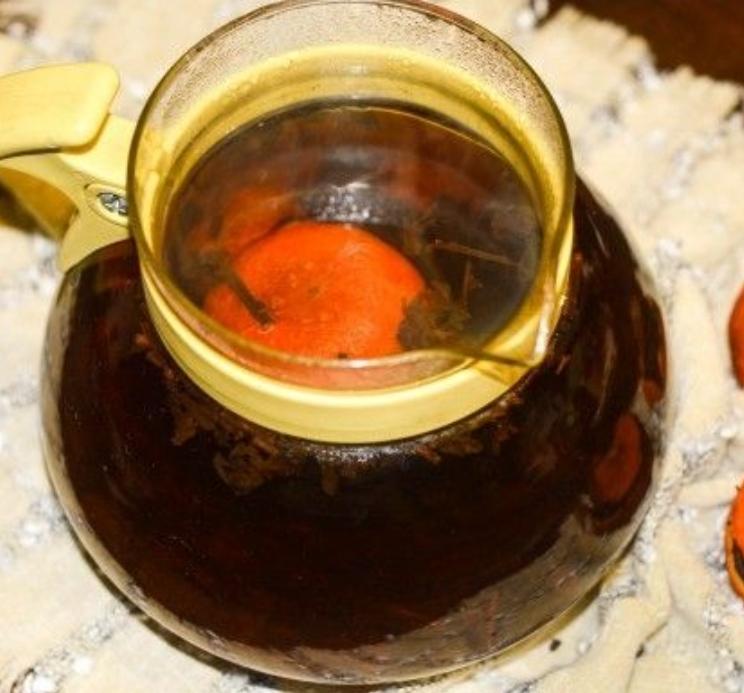 Warming tangerine tea