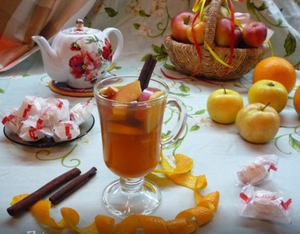 Apple tea with orange and cinnamon