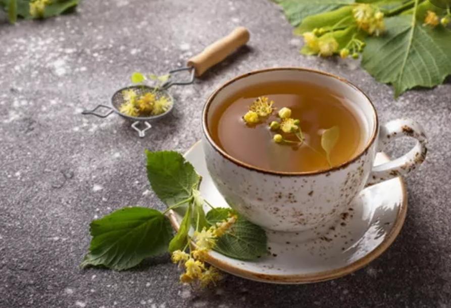 Aromatic linden tea