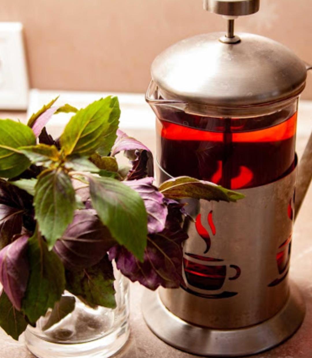 Very healthy, delicious iced basil tea
