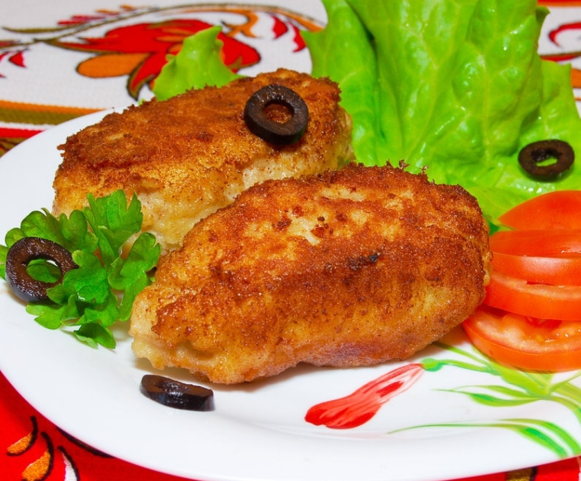 Chicken cutlets with cheese and herbs