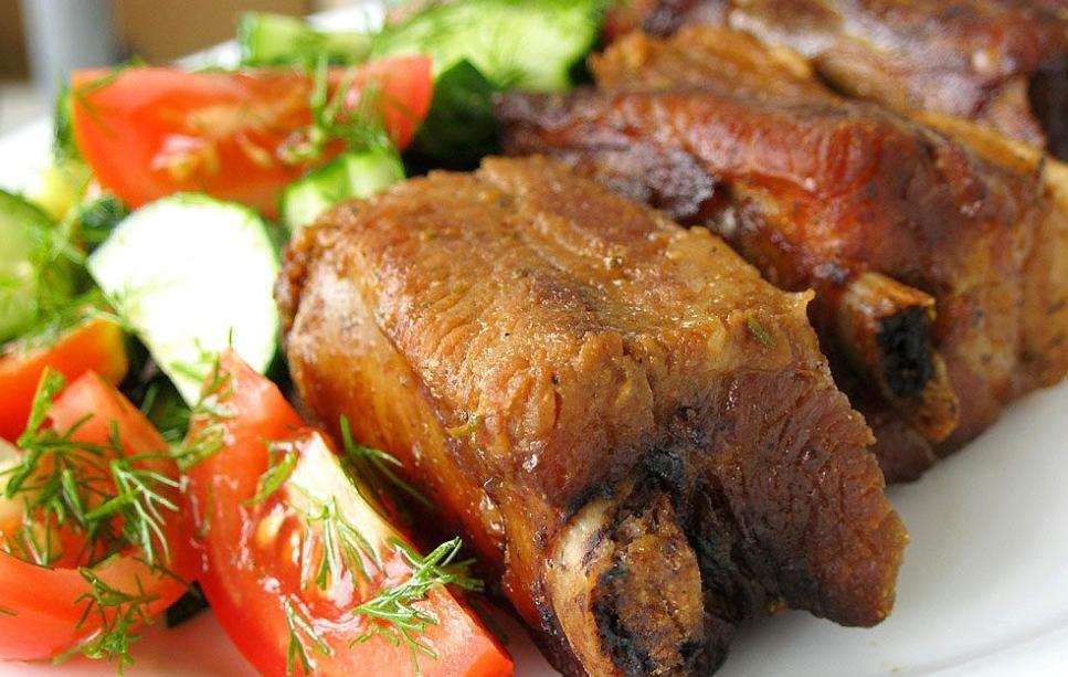 Pork ribs in a spicy soy-mustard marinade