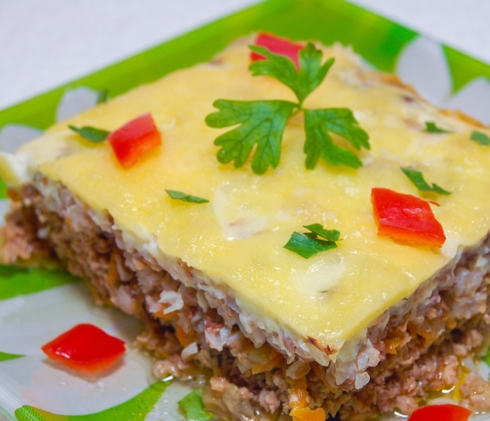 Meat casserole with buckwheat and eggplant