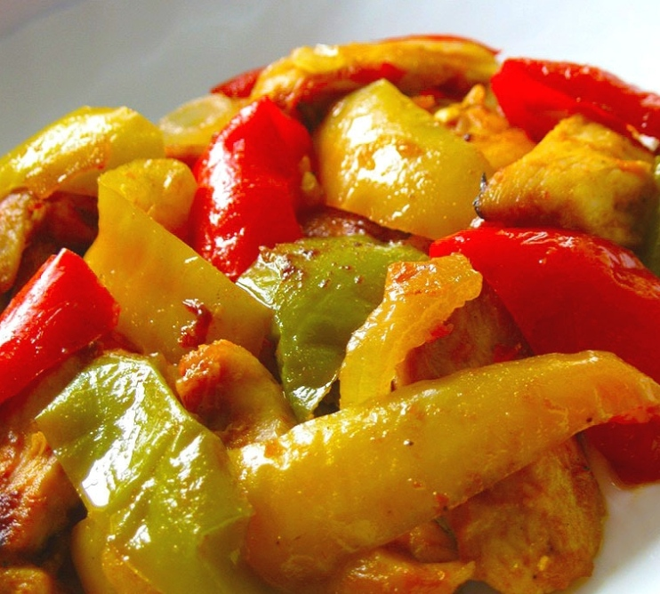 Chicken stew with bell pepper