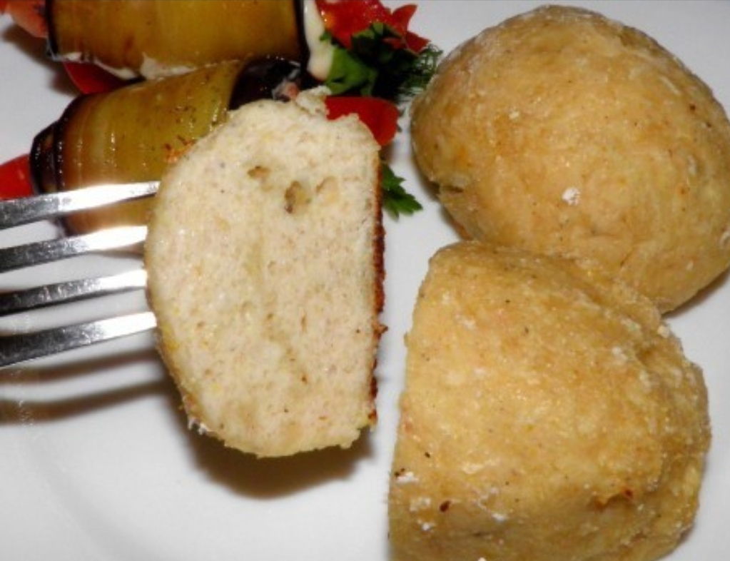 Chicken cutlets with apple
