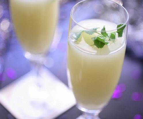 Creme de Menthe gin and liqueur cocktail
