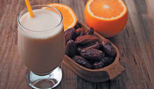 Khushaf (milk drink made from dates)