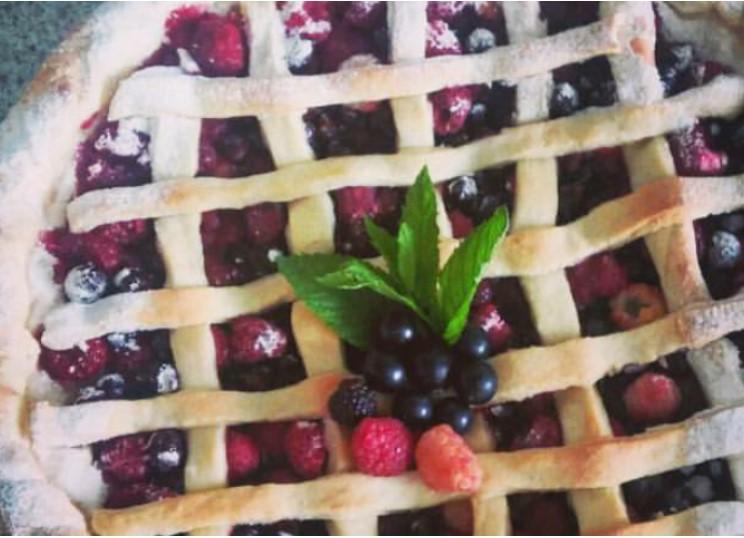 Shortcrust pastry pie