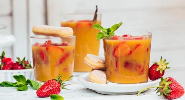 Strawberries in Orange Juice with Vanilla