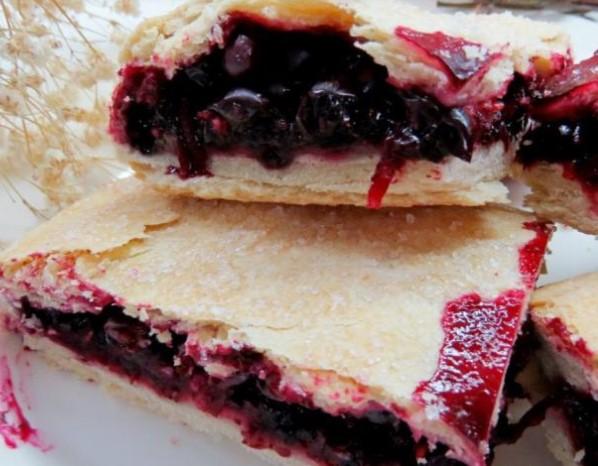 Lean Blackcurrant Pie