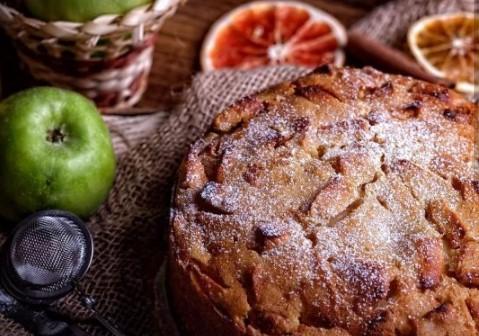Bologna Apple Pie