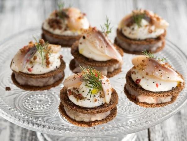 Charlotte Snack Bars from Borodino Bread, Herring and Sour Cream