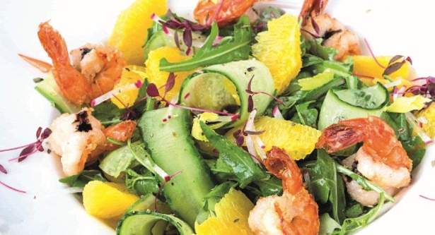 Arugula Salad with Shrimps and Orange Dressing