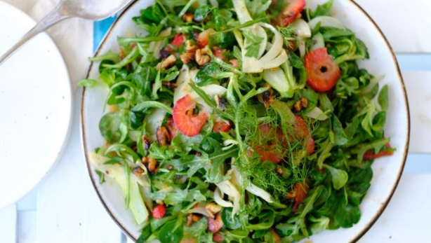 Green Salad with Fried Fennel and Strawberries