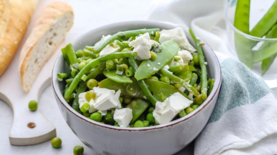 Quick Salad of Legumes, Feta and Mint