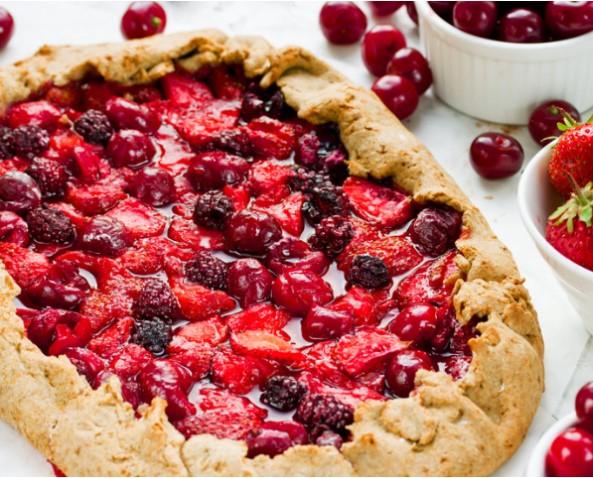 Open Pie in Vegetable Oil with Berries