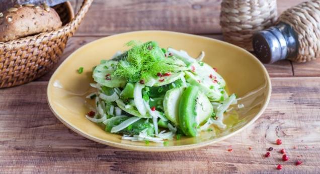Kiwi Salad with Zucchini and Fennel