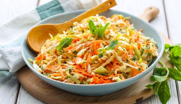 Young Cabbage Salad with Carrots