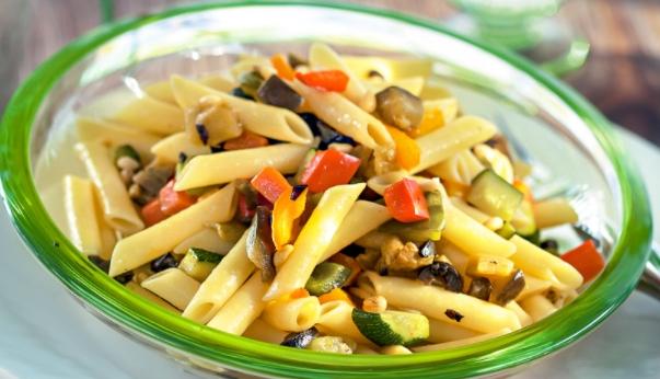 Rustic Salad with Pasta