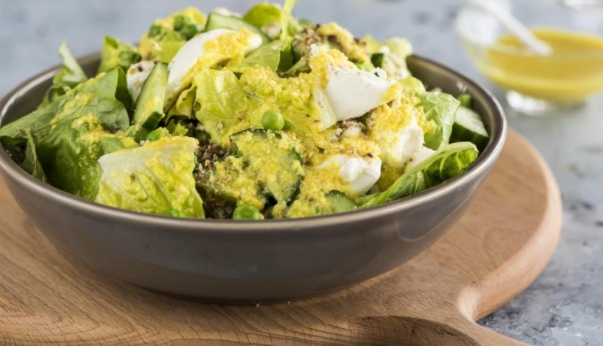 Green Salad with Nut Crumbs and Feta