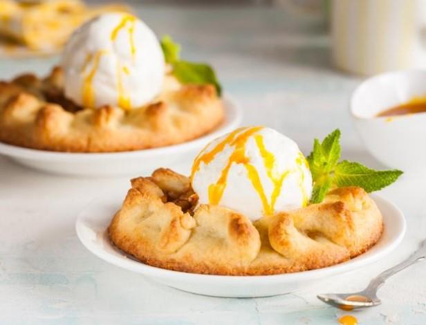 Apple Mini Ice Cream Pies