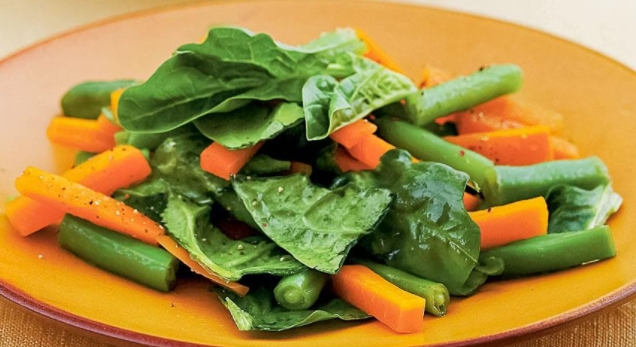 Salad with Young Carrots and Spinach