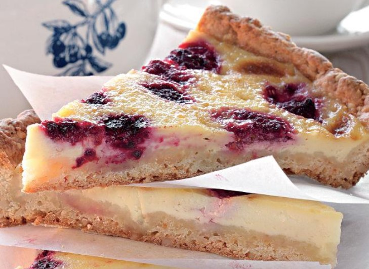 Raspberry Pie Made from Curd Dough