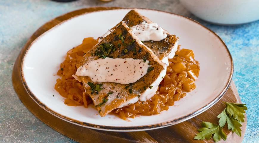 Pike perch with stewed cabbage and riesling sauce
