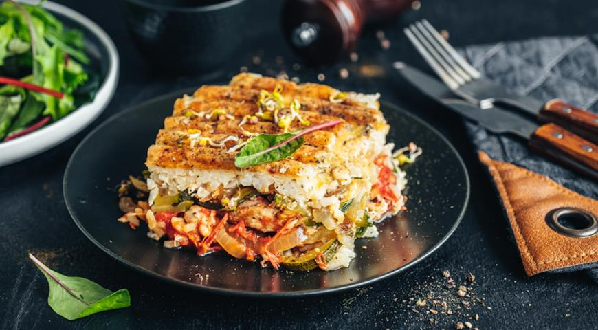 Vegetable casserole with chicken and rice