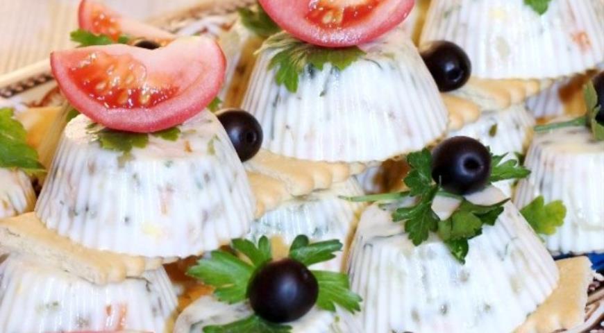 Jellied salad